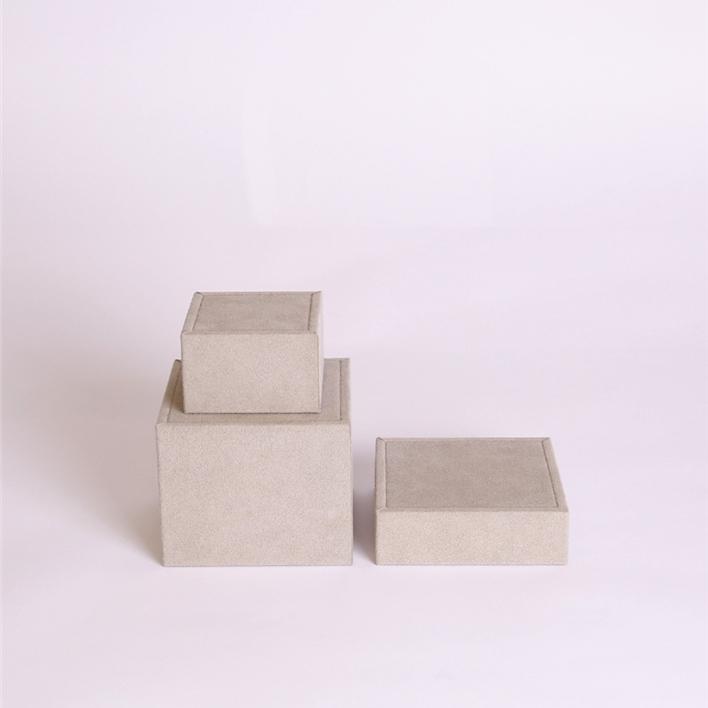 CHOISISSEZ LES ÉLÉMENTS POUR COMPOSER VOTRE VITRINE À BIJOUX - cubi piccoli set