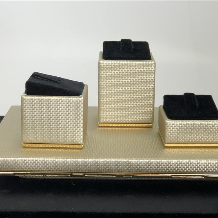 Présentoirs à bijoux - IMG 5101