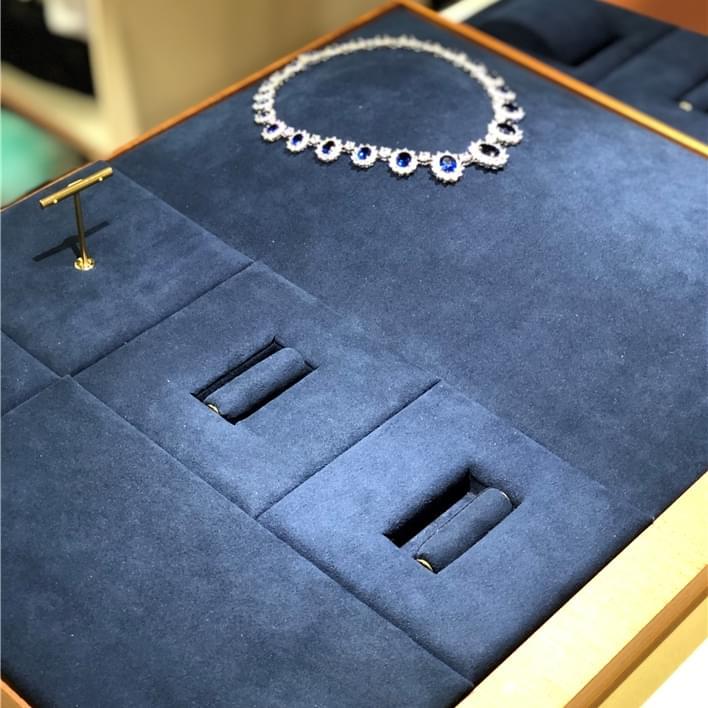 Vitrines pour bijouteries - IMG 8892