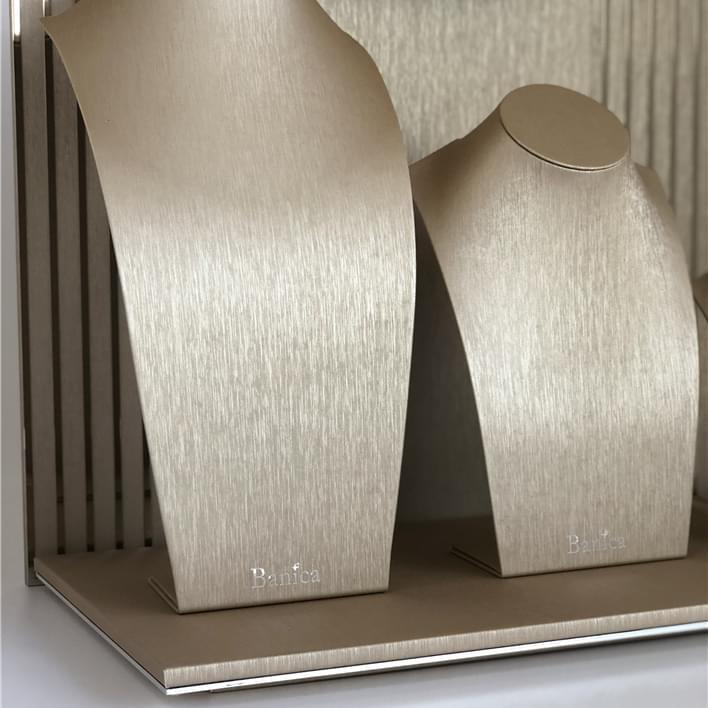 Set de prèsentoires pour bijouteries - IMG E4944