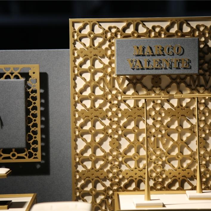 Displays set & Exhibitors - IMGT0189