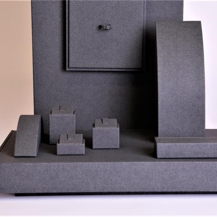 Displays set & Exhibitors -  MGT0027